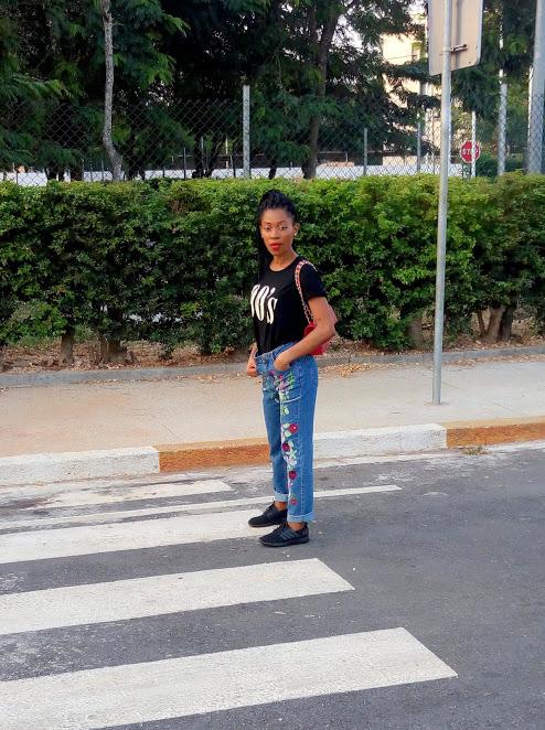Jean mom & t-shirt les bons basiques (11)
